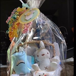Small Unisex Baby Gift Basket Ready Go